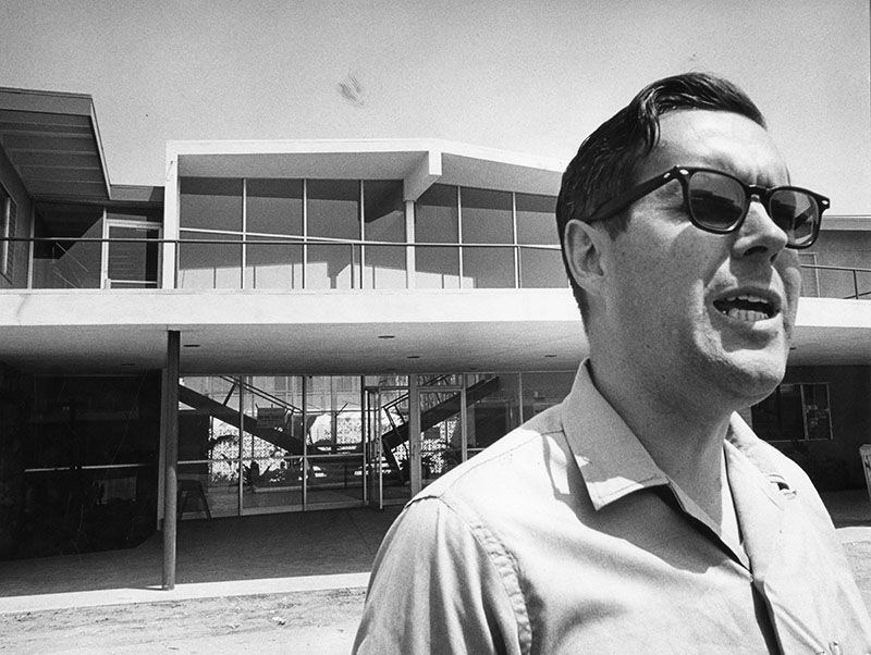 Robert Gronlund, assistant to the president, in front of one of the two apartment-styled student dormitories of the new California Lutheran College's Thousand Oaks campus. Order #00111822